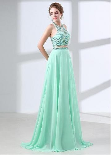 Elegant Chiffon Halter Neckline Two-piece A-line Prom Dress With Beadings