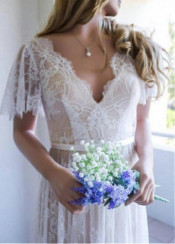 Brilliant Tulle V-neck Neckline A-line Wedding Dresses With Belt