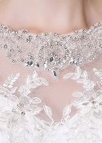 Gorgeous Tulle Bateau Neckline Mermaid Wedding Dresses With Lace Appliques