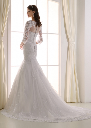 Graceful Tulle Bateau Neckline Mermaid Wedding Dress
