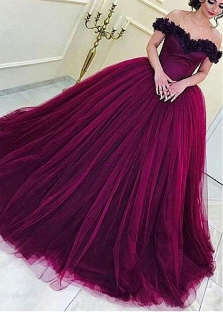 Glamorous Tulle Off-the-shoulder Neckline Ball Gown Evening Dress With Handmade Flowers