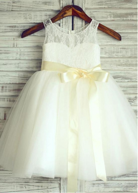 Exquisite Tulle & Lace Scoop Neckline Ball Gown Flower Girl Dresses With Belt
