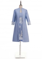 Graceful Taffeta V-neck Neckline Sheath/Column Mother Of The Bride Dress With Lace Appliques & Detachable Coat