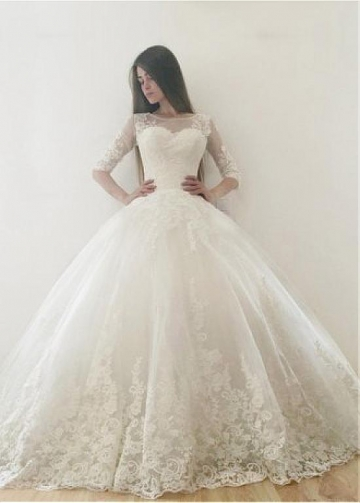 Vintage Tulle Bateau Neckline Ball Gown Wedding Dresses With Lace Appliques
