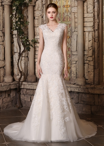 Romantic Tulle V-neck Neckline Lace Appliques Mermaid Wedding Dresses