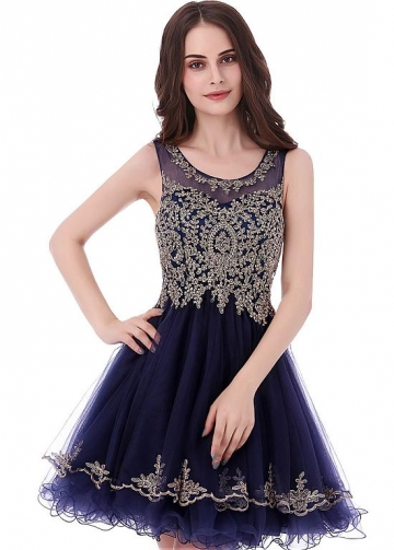 Graceful Tulle Scoop Neckline Short A-line Homecoming Dress With Beaded Lace Appliques