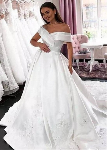 Delicate Satin Off-the-shoulder Neckline Ball Gown Wedding Dresses With Beaded Lace Appliques