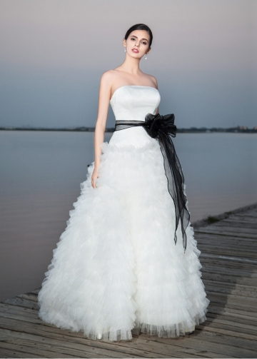 Fabulous Satin & Tulle Strapless Neckline A-line Wedding Dresses