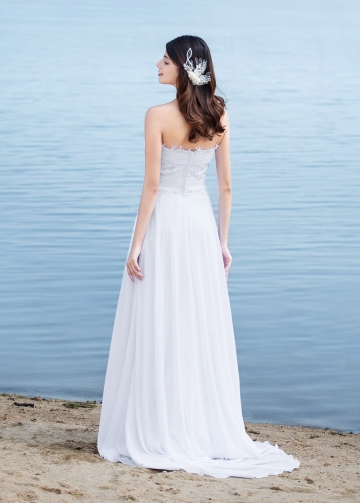 Fabulous Chiffon Sweetheart Neckline A-line Wedding Dresses With Beaded Lace Appliques