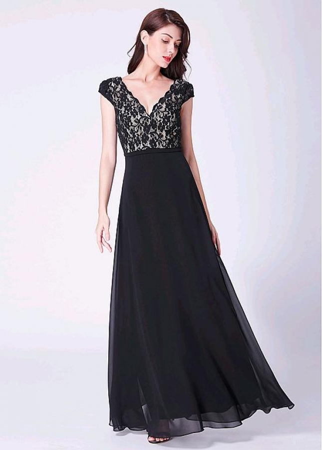 Black Romantic Lace & Chiffon V-neck Neckline Floor-length A-line Evening / Bridesmaid Dress