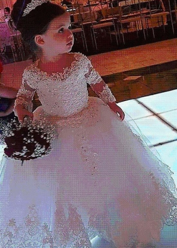 Fashionable Tulle Jewel Neckline Ball Gown Flower Girl Dresses With Beaded Lace Appliques