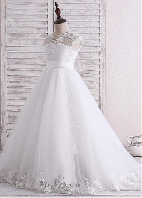 Lovely Tulle Jewel Neckline A-line Flower Girl Dress With Lace Appliques