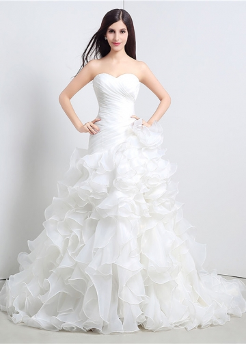 Fabulous Organza Sweetheart Neckline A-Line Wedding Dresses With Cascading Ruffles