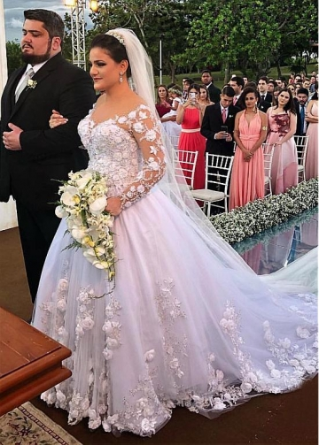 Romantic Tulle Jewel Neckline Ball Gown Wedding Dresses With Lace Appliques & Beaded Handmade Flowers
