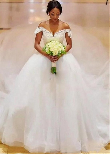 Amazing Tulle Sheer Scoop Neckline Ball Gown Wedding Dress With Beaded Lace Appliques