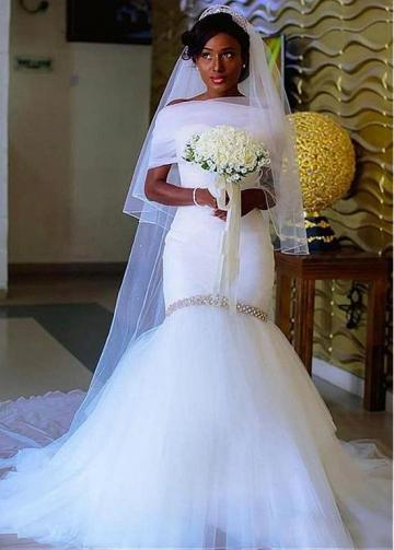 Exquisite Satin & Tulle Sweetheart Neckline Mermaid Wedding Dress With Beading & Detachable Shawl
