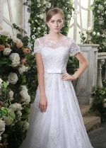 Elegant Tulle Scoop Neckline Lace Appliques A-line Wedding Dresses