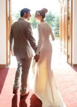 2020 Spring Simple Wedding Dress with Long Sleeves