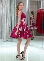 Eye-catching V-neck Neckline V-cut Back A-line Print Homecoming Dresses With Beadings