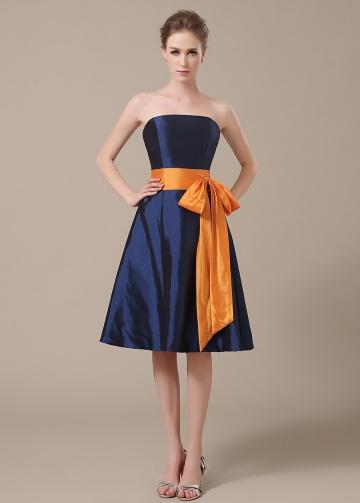 Chic Taffeta Strapless Neckline Knee-length A-line Bridesmaid Dresses