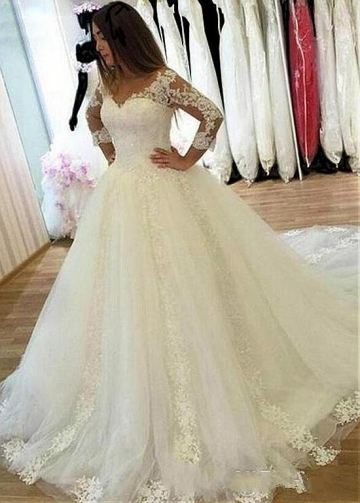 Fabulous Tulle V-neck Neckline Ball Gown Wedding Dresses With Lace Appliques