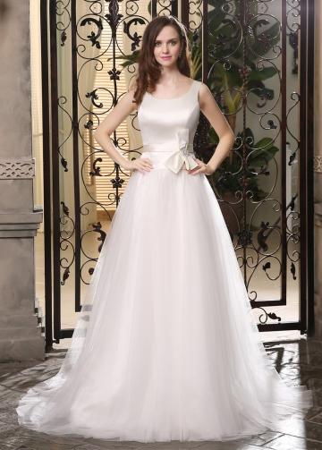 Chic Satin & Tulle Scoop Neckline A-line Wedding Dresses