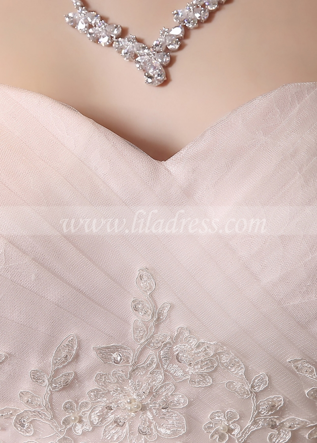 Elegant Tulle Sweetheart Neckline Lace Appliques A-line Wedding Dresses