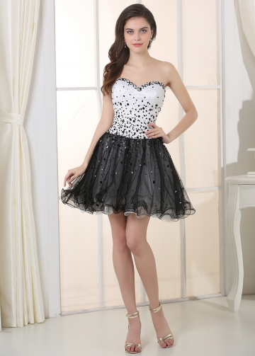 Chic Tulle & Satin Sweetheart Neckline A-Line Homecoming Dresses