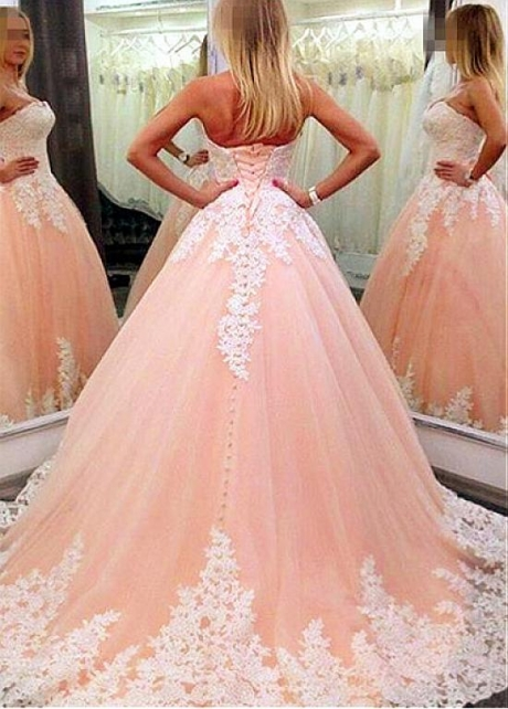 Junoesque Tulle Strapless Neckline Ball Gown Formal Dresses With Lace Appliques