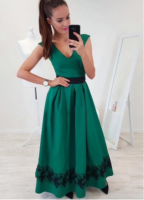 Fashion Satin V-neck Neckline Cap Sleeves A-line Evening Dress With Lace Appliques