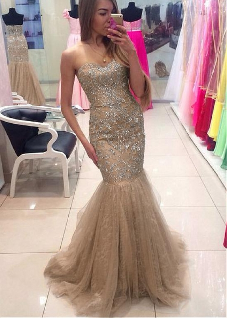 Elegant Tulle Sweetheart Neckline Mermaid Evening Dress With Beadings