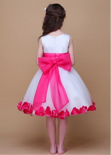Glamorous Satin & Organza Scoop Neckline Ball Gown Flower Girl Dresses With Handmade Flowers