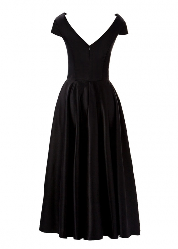 Elegant Satin Bateau Neckline A-Line Tea-length Mother Of The Bride Dress With Pockets