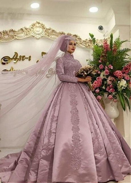 Vintage Satin High Collar Ball Gown Arabic Islamic Wedding Dress With Lace Appliques