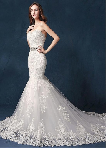 Chic Tulle Sweetheart Neckline Mermaid Wedding Dress With Lace Appliques & Belt