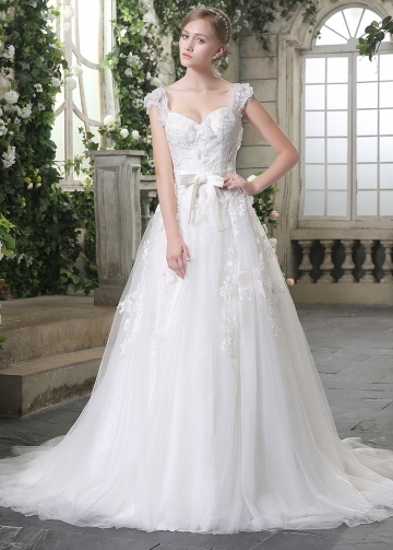 Amazing Tulle Sweetheart Neckline A-line Wedding Dresses With Handmade Flowers