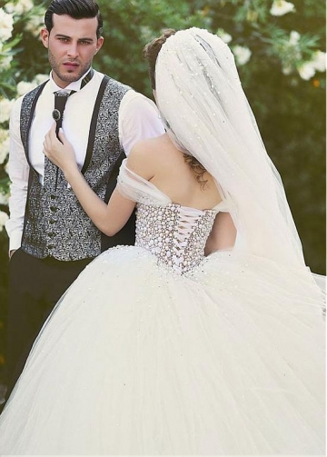 Brilliant Tulle Off-the-Shoulder Neckline Ball Gown Wedding Dresses with Beadings & Rhinestones