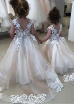 Charming Tulle Jewel Neckline Ball Gown Flower Girl Dresses With Lace Appliques