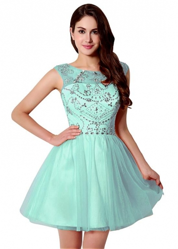 Stunning Tulle Bateau Neckline Short A-Line Homecoming Dresses With Beadings