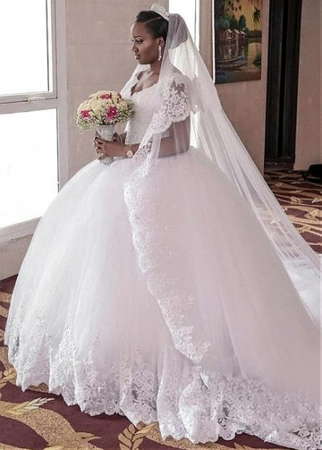 Amazing Tulle V-neck Neckline Ball Gown Wedding Dress With Lace Appliques & Beadings