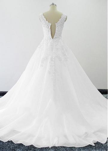 Elegant Tulle & Oragzna V-neck Neckline A-line Wedding Dresses With Beaded Lace Appliques