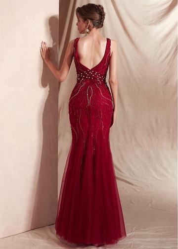 Stunning Tulle V-neck Neckline Mermaid Evening Dresses With Beadings