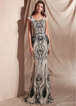 Stunning Embroidery Lace Scoop Neckline Cap Sleeves Sheath/Column Evening Dresses
