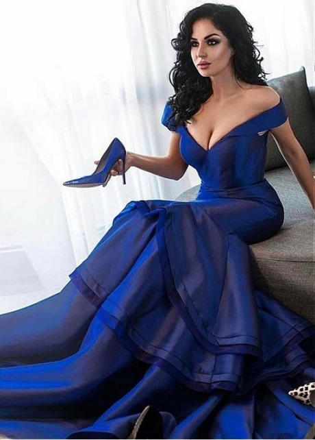 Gorgeous Tiered Off-the-shoulder Neckline Floor-length Mermaid Evening Dresses