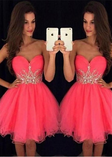Sexy Tulle Sweetheart Neckline Short A-line Homecoming Dresses With Beadings