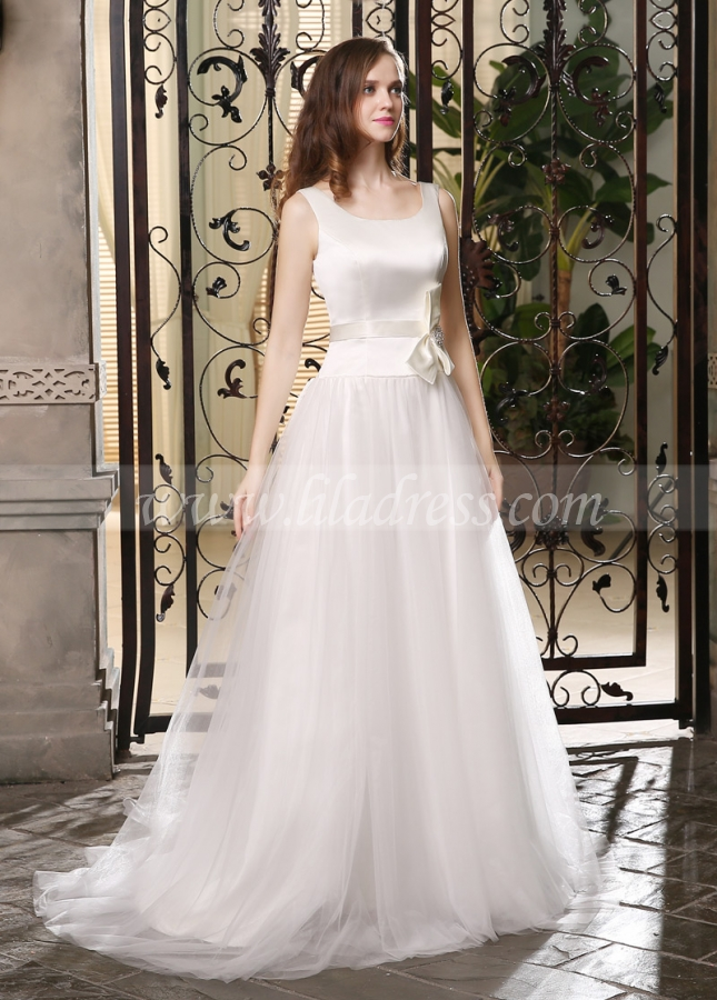 Chic Satin & Tulle Scoop Neckline A-line Wedding Dresses