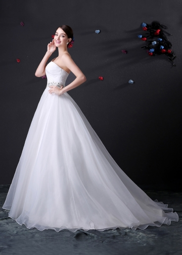 Elegant Organza Sweetheart Neckline Wedding Dress With Embroidered Beadings & Rhinestones