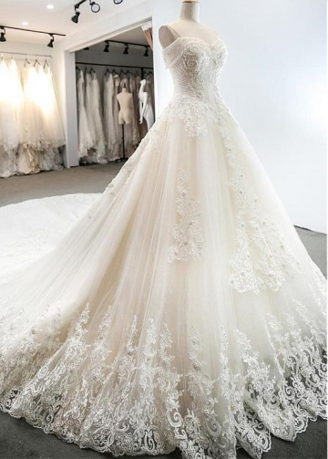 Gorgeous Tulle Sweetheart Neckline A-line Wedding Dresses With Lace Appliques & 3D Flowers & Beadings