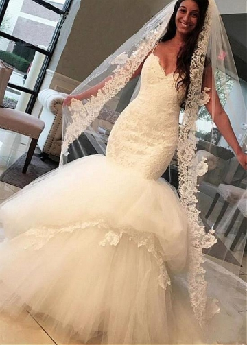 Fashionable Tulle Spaghetti Straps Neckline Mermaid Wedding Dress With Lace Appliques