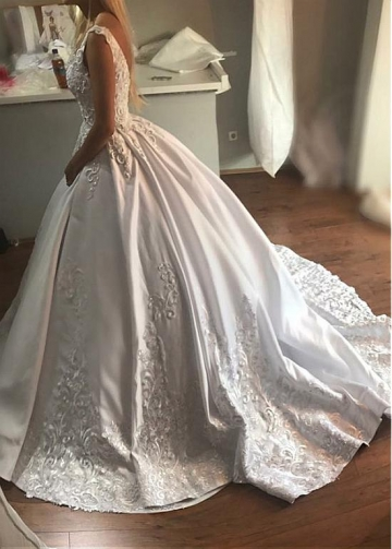 Fascinating Tulle & Satin V-neck Neckline Ball Gown Wedding Dress With Lace Appliques & Beadings